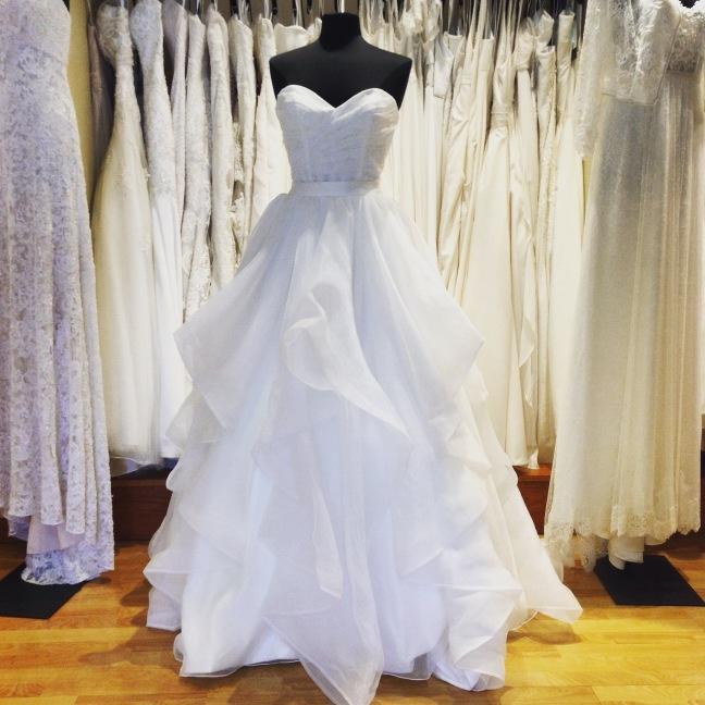 Inspiring Wedding Dresses Under 1000